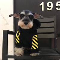 sudaderas perro gato al por mayor-Moda para mascotas Manga larga Sudaderas con capucha Rayas amarillas Perro Sudaderas con capucha Ropa de invierno para mascotas Perro Gato Suministros Lindo Bulldog Schnauzer Ropa