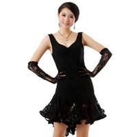 rote paillettenhandschuhe großhandel-Ballroom Dance Kleid Latin Kleider Schwarz / Weiß / Rot Sequin Dance Kostüme (Kostenlose Handschuhe) Freies Verschiffen Salsa Kleid