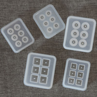 silikon boncuk takıları toptan satış-Delikler Ile kare Silikon Boncuk Kalıpları El Yapımı Kek Dekorasyon Araçları yuvarlak Reçine DIY El Sanatları Takı Kolye Kolye Yapmak Kalıp 2 6y YY