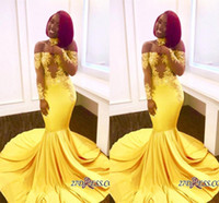 vestidos de formatura de sereia amarela longos venda por atacado-2018 Amarelo Africano Sereia Vestidos de Baile Longo Lace Ombro Fora Do Ombro Mangas Compridas Ver Através de Trem Da Varredura Formal Vestidos de Festa À Noite Vestidos