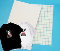 transferencias calientes para camisetas al por mayor-20 hojas de tamaño A4 color oscuro Papel de transferencia de calor de sublimación, papel 100gsm, uso en ropa de algodón puro, camiseta, oscuro brillante, etc.