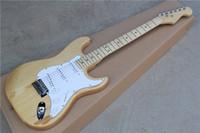guitarra electrica color madera natural al por mayor-Guitarra eléctrica de color natural de madera con Pickguard blanco, cuerpo ASH, pastillas 3S, Hardwares de cromo, que ofrece servicios personalizados