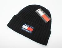 mavi kırmızı beanie toptan satış-Yeni Sıcak erkekler kış bere erkek şapka Moda kasketleri rahat örme spor kap gorro siyah gri mavi kırmızı yükseklik kalite kafatası k ...