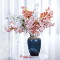 ingrosso alberi di ciliegio per il matrimonio-Seta artificiale Cherry Blossom Flower Branch Fake Sakura Tree Stem Event Wedding Party fiori decorativi artificiali