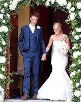 glänzender königlicher blauer anzug großhandel-Hübsche Custom Made Royal Blue Männer Anzüge für Hochzeit Beste Hochzeit Smoking Bräutigam Anzüge glänzende 3 Stücke Jacke Hosen Weste