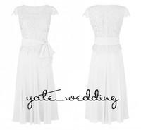 çay yay toptan satış-2018 Beyaz Dantel Anne Gelin Elbise Scoop Boyun Cap kollu Şifon Çay Boyu Kanat Bow Anne Gelinlik Modelleri Düğün Konuk Elbiseleri