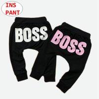 meninos harem pants brancos venda por atacado-INS Baby BOSS impressão Calças Crianças Menina Menino harem pants Criança Rosa Branco Longo Calças para 0-5 T