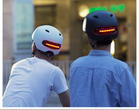 Wholesale Bicycle Helmet flashing light design Cycling Helmet Men Women Automatic light warning light smart helmet Road Mountain
