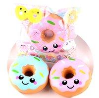 yüz stresini giderme toptan satış-Donuts Squishy Oyuncaklar Kawaii Gülümseme Yüz Yavaş Yükselen Donut Jumbo Sıkmak Telefon Askısı Stres Rahatlatıcı Hediye Çocuklar için
