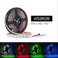 rgb led ws2812b venda por atacado-WS2812B WS2812 IC DC 5 V Fita LED tira de rgb LED Inteligente levou fita de luz Fita 30/60/74/96/100/144 levou / m