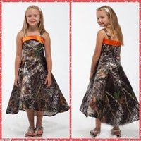 Wholesale toddler sleeveless shirts - Spaghetti Strap A-Line Camo Flower Girls Dresses Tea-Length Toddler Pageant Party Gowns Fashion Custom Spring Summer Kids Dresses