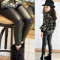 leggings de cor preta venda por atacado-Moda crianças PU calças meninas de cintura alta calças lápis elástico crianças casual trouse outono inverno crianças leggings preto inferior F1625