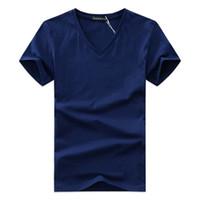 ingrosso shirt in vendita-Maglietta con scollo a V da uomo T-shirt da uomo Maglietta a maniche corte T-shirt casual da uomo T-shirt da uomo Slim Fit per le vendite