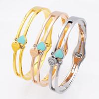 frauen silber armbänder herz großhandel-3 Stile Design Luxusmarke Armband Frauen Edelstahl Herz Zirkon Armband Armreif Für Frauen Schmuck Hochzeit Armband