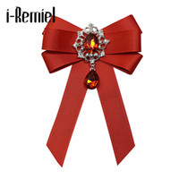 ingrosso i cristalli del vestito da cerimonia nuziale dell'arco-i-Remiel Fashion Red Rabbon Bow Brooch Strass Crystal tessuto di stoffa di lusso abito da sposa Pins e spille regalo per le donne