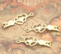 ingrosso connettore d'oro antico-15 pz / lotto Freccia Connettori di Fascino Antico tibetano oro Tono Cupid's freccia pendenti di fascini, doppio cuori di fascino Forniture 39x13mm