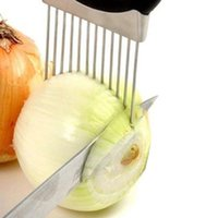 cortadores de cebola venda por atacado-Fácil Titular Cebola Slicer Vegetable tools Tomate Cortador de Aço Inoxidável Utensílios de Cozinha Não Mais Fedorento Mãos