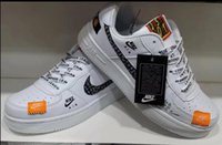ingrosso base per gli uomini-La nuova tendenza di vendita 2019 primavera nuove scarpe basse da uomo di colore nero di base per gli amanti dello sport per il tempo libero scarpe NK001-02
