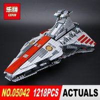 Wholesale new star toys - NEW LEPIN 05042 Star Model 1200pcs The Republic Fighting Cruiser Set Model Building blocks Bricks Compatible 8039 Toy Gift
