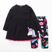 siyah kız tişört toptan satış-2018 yeni bebek kız at giyim seti çocuklar uzun t-shirt siyah renkli gökkuşağı uzun pantolon ile takım elbise suits çocuklar kıyafet hediye