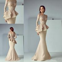 vestidos finos venda por atacado-Laço de champanhe Mancha Peplum Longo Vestidos Formais Desgaste 2019 Sheer Neck Manga Longa Dubai Árabe Sereia Vestido de Baile