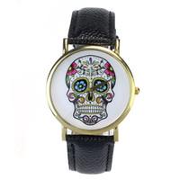 модные хрустальные заклепки оптовых-Woman Watch 2018 Fashion Punk Skull Men Dress Quartz Wristwatches Leather Rivets Bracelet Watches Women Crystal Casual Montre