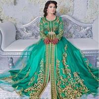 yeşil dantel kanadı toptan satış-Yeşil Suudi Arabistan Uzun Kollu Abiye Altın Aplikler Dantel Kanat 2018 Gelinlik Modelleri Uzun Jewel Dubai Müslüman Parti Törenlerinde