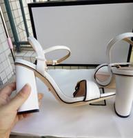 talon de sandale à talon achat en gros de-Nouveautés 2018 En Cuir Verni Thrill Talons Femmes Unique Designer Bout Pointu Robe Chaussures De Mariage Sexy Marque chaussures Lettres talon Sandales