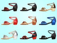 zapatos de salón tacón bajo al por mayor-Alta calidad de la llegada de las muchachas al por mayor de los niños / niños / niños del salón de baile del tango de la salsa zapatos de baile latino zapatos de tacón bajo 10 colores