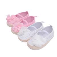 zapatos de bebé de ganchillo blanco al por mayor-Zapatos de bebé a prueba de patinaje Botines moccs princesa ganchillo kintted rosa blanco Slip-On para bebé primeros pasos venta de primavera 2018