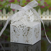 hochzeit bevorzugung schmetterling süßigkeiten taschen großhandel-30 Farben, die Bevorzugungs-Halter-Süßigkeit- / Schokoladen-Taschen Laser-geschnittenes Papier mit den Bändern Wedding sind, die Geschenk-Kästen BW-C131 Wedding sind