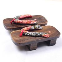 zapatillas de zapatos de madera al por mayor-Originalidad Moda Paulownia Zapatilla Mujeres Dos Dientes Zuecos De Madera Chanclas Zapatillas Sandalias de Madera Zapatos Caseros 25bz ff