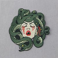applique eisen kleidung großhandel-Die Blutung Medusa Mend Stickerei Patches Eisen auf Nähen Applique Abzeichen Kleidung große Patch Aufkleber für Jacken Jeans Kleidungsstück Zubehör