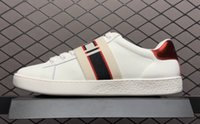 beyaz deri kemerler toptan satış-2018 Tasarımcı ayakkabı Kemer ace beyaz Lüks işlemeli beyaz kaplan arı balık ayakkabı Hakiki Deri Tasarımcı Sneaker Erkek Kadın Rahat Ayakkabılar