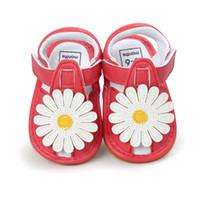 babymädchen rote sandalen großhandel-Sommer-Baby-Blumen-Sandelholze erste Wanderer-neugeborenes Mädchen-Prinzessin Shoes Moccasins RedWhite Baby Sandals For 0-18M Kids Girl.