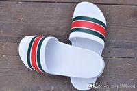 Wholesale white mens slippers online - 2018 mens designer sandals causal rubber summer huaraches slippers loafers flats leather Brand slides designer sandals us