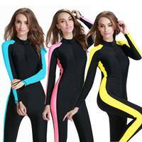 ingrosso usura delle immersioni-Le coppie indossano costumi da sole a maniche lunghe tute da uomo Tute da immersione da uomo Tute da surf da donna
