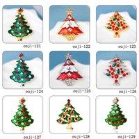 ingrosso arredamento tibet-Corona di alberi di Natale corona campana spille di cristallo per i bambini regalo X'mas smaltato strass capodanno decorazione distintivo gioielli all'ingrosso spilla nuovo