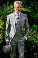 gri ustura stilleri toptan satış-Açık Gri Tailcoat Damat Smokin Sabah Stil Erkekler Düğün Aşınma Yüksek Kalite Erkekler Örgün Balo Parti Suit Özelleştirmek (Ceket + Pantolon + Kravat + Yelek) 989