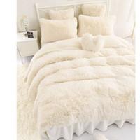 yatak odası yorgan örtüleri toptan satış-Renk Prenses Yatak Setleri Lüks 3/4/6/7 adet Kız Yatak Odası Kar Beyaz kuzular yün Yatak Etek Nevresim Yatak Örtüsü Polar Kumaş kapak