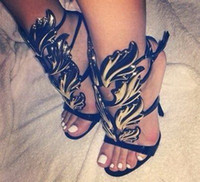 sandalias negras doradas al por mayor-VENTA CALIENTE Amazing Lady Angel Wings Negro Desnudo Thin High Heels Sandals Gladiador Roma Wedge Mujeres Golden Leaf Leather Pumps Sandalias Zapatos