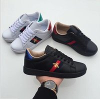 Wholesale korean kids shoes - 2019 kids shoes best-selling new summer skin little white shoes female Chi small bees embroidered shoes Korean sports and leisure