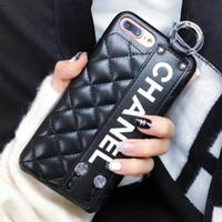 mostrar fundas de teléfonos al por mayor-Fashion Paris Show Classic Rhombus Lattice Luxury Phone Case para IPhone X Muñequera, cubierta de cuero para el iPhone Xs Max 7/8 7 / 8plus