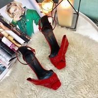 peep toes bowknot schuhe großhandel-Bowknot Peep Toe Schwarz High Heel Schuhe Frau Lackleder Mode Ein Wort Schnalle Cover Heel Spike Heels Frauen Sandalen
