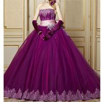 robes de quinceanera pourpre sans bretelles achat en gros de-Robe de bal violette bustier Quinceanera robes en dentelle avec sequins appliques Pageant robe avec nœud papillon 15 robes avec gants gratuits