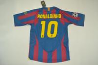 nylon jersey hemden großhandel-2006 endgültige Version Ronaldinho Iniesta Larsson Puyol Deco Xavi Eto'o Giuly Retor Trikots klassische Hemden Lauf Jerseys Größe S-XXL