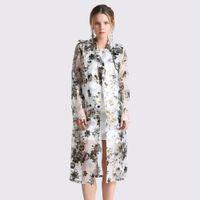 Mujeres de primavera y verano Organza Trench Coat mujer Sexy estampado  floral perspectiva doble Breasted cinturón moda marca abrigo largo partido 03c634e1dedc3
