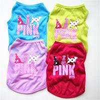 welpen rosa großhandel-Schöne rosa Brief Haustier Hund Weste Kleidung Welpen niedlichen Pullover Sommer Shirt Mantel Jacke 4 Farben
