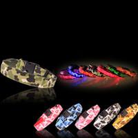 coleiras fluorescente de nylon venda por atacado-Nylon LED Dog Collar Pet camuflagem Segurança Noite Piscando Trela Do Cão Brilhante, Cães Luminosos Fluorescentes Coleiras Suprimentos Animais de Estimação