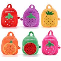 bolsas de hombro de peluche al por mayor-Felpa de dibujos animados de frutas Mochila 2017 nuevas de la fresa del niño de los niños bolsas de regalos para la edad 1-3 yeards Kinder Niños Niñas